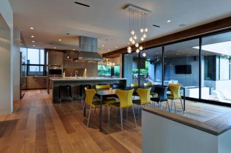 séjour et cuisine - Underwood House par StudioMET - Houston, Usa