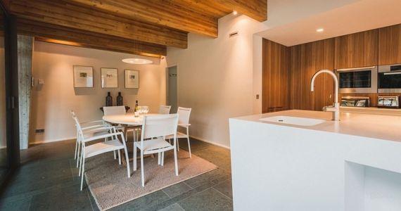 séjour et cuisine - Villa Oasis - maison contemporaine en location - Biarritz, France