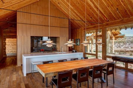 séjour et cuisine - Wolf Creek Ranch par S+D Architects - Utah, Usa