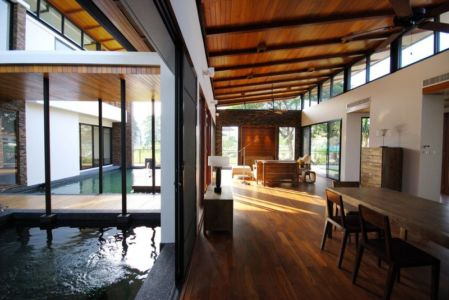 séjour et salon - Nature House par JUNSEKINO Architect - Changwattana, Bangkok, Thaïlande