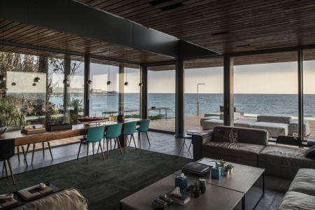 séjour et vue sur mer - Amchit résidence par Blankpage architects -Liban