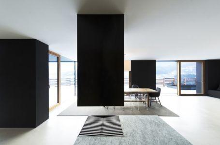 séjour & grande baie vitrée - Structure-Slope par Bergmeister Wolf Architekten - Bozen, Italie