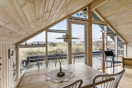séjour & grande baie vitrée - Tiny-house par Tiny Sod Roofed - Côtes Nord, Danemark