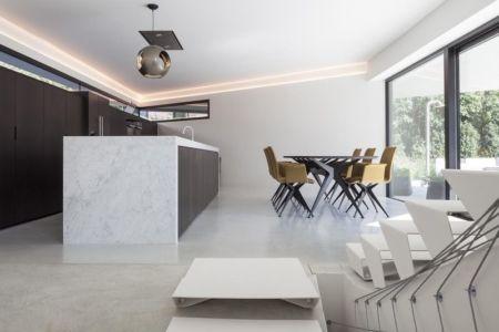 séjour & grande baie vitrée - Villa-MQ par Office O architects - Belgique