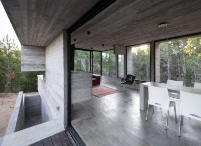 séjour & salon - Wein House par Besonias Almeida Arquitectos - Pinamar, Argentine