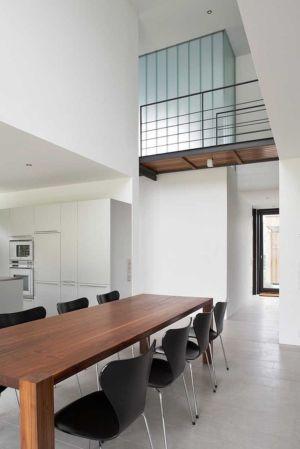 séjourr et entrée - Maisons bois contemporaines par Zamel Krug Architekten - Hagen, Allemagne