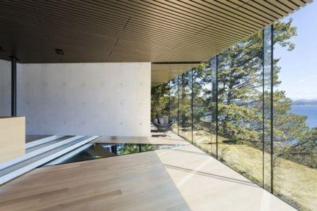 séparation centrale intérieure - Tula House par Patkau Architects - Quadra Island, Canada