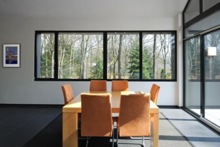 salle à manger - Sous-bois par Luc Spits Architecture - Liege, Belgique