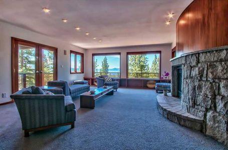salle étage & vaste cheminée - lake-view-cabin - Nevada, USA