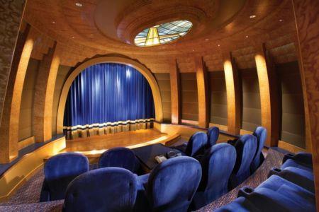 salle cinéma - residence corona del Mar - californie, USA | + d'infos