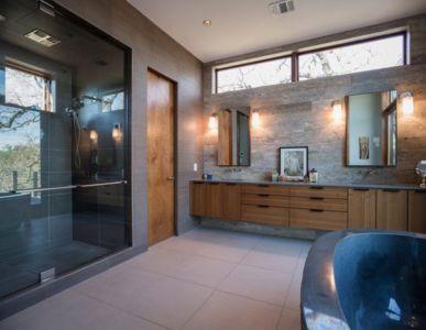 salle de bains - 1980-Home par Dick Clark + Associates - Austin, USA