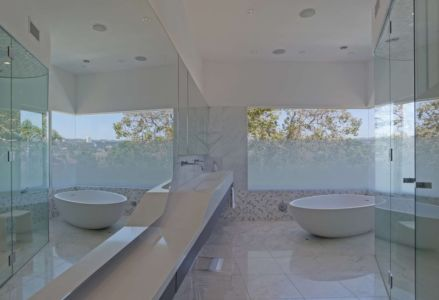 salle de bains - Birch Residence par Griffin Enright Architects - Los Angeles, Usa