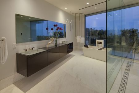 salle de bains - Carla Ridge par McClean Design - Beverly Hills, Usa