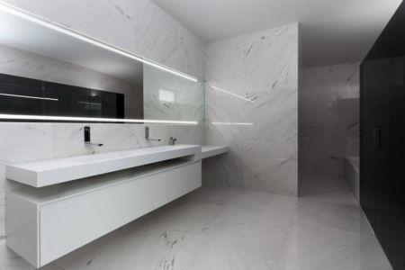 salle de bains - Casa Balint par Fran Silvestre Arquitectos - Valence, Espagne