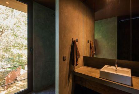 salle de bains - Casa de Seixas par Castro Calapez Arquitectos - Caminha, Portugal