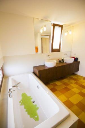 salle de bains - Casa do Miradouro par Dirck Mayer - Ponta Delgada, Madère, Portugal