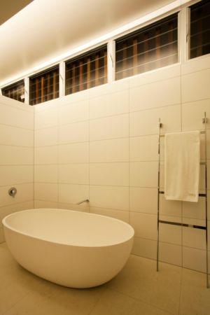 salle de bains - Coolum Bays House par Aboda Design Group - Coolum Beach, Australie - photo Paul Smith