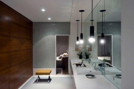 salle de bains - Fieldview house par Blaze Makoid Architecture - East Hampton, Usa