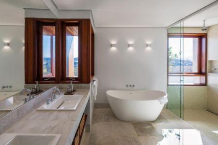 salle de bains - Ft house par Reinach Mendon Arquitetos - Bragança Paulista, Brésil