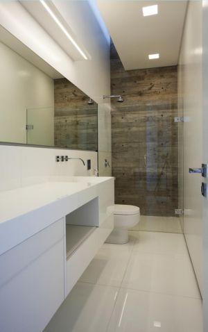 salle de bains - LM Residence par Marcos Bertoldi Arquitetos - Campo Comprido, Brésil