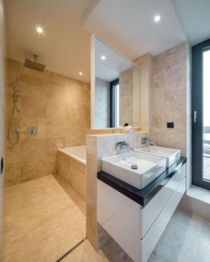 salle de bains - Luxury Green Homes par Amber Gardens - Bucarest, Roumanie