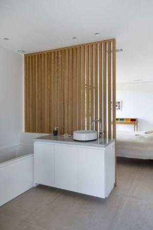 salle de bains - Maison L2 par Vincent Coste - Saint-Tropez, France