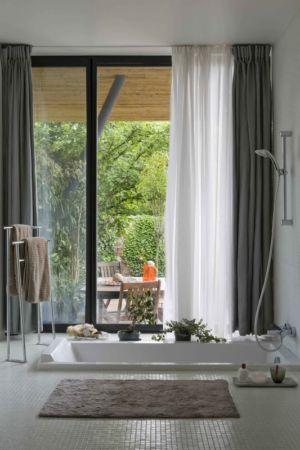 salle de bains - Maison R - Colboc Franzen & Associés - France - Photos © Cécile Septet