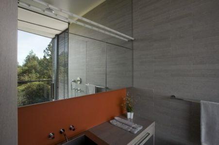 salle de bains - Maison contemporaine béton par Cooper Joseph Studio - Sonoma, Usa
