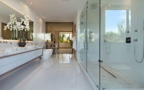 salle de bains - Miami Beach Home par Luis Bosch - Miami Beach, USA