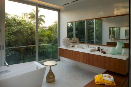 salle de bains - Mimo house par Kobi Karp architecture - Miami Beach, Usa