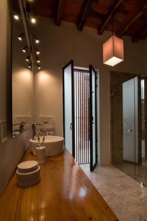 salle de bains - Pinar house par MO+G Taller de arquitectura - Zapopan, Mexique