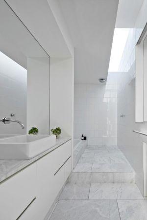 salle de bains - Rénovation contemporaine par Coy Yiontis Architects - Balaclava, Australie