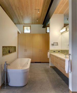 salle de bains - River Bank house par Balance Associates Architects - Big Sky, Montana, Usa