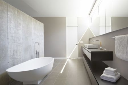 salle de bains - Riverview House  Studio Dwell Architects -  Wayne, Usa