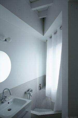 salle de bains - Saganaki House par BUMParchitectes, France