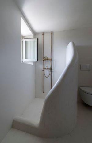 salle de bains - Sterna Nisyros par  Giorgos Tsironis - Nisyros en Grèce