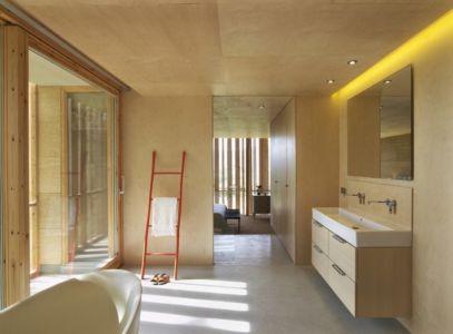 salle de bains - Stone house par Carl Fredrik Svenstedt architecte - Vallée du Luberon, France