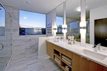 salle de bains - Unique Reclaimed Modern par Dwell Development LLC - Seattle, Usa
