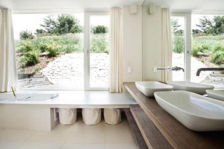 salle de bains - Villa P par Love Architecture - Graz, Autriche