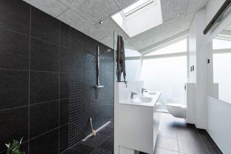 salle de bains design - maison exclusive par Skanlux - Danemark