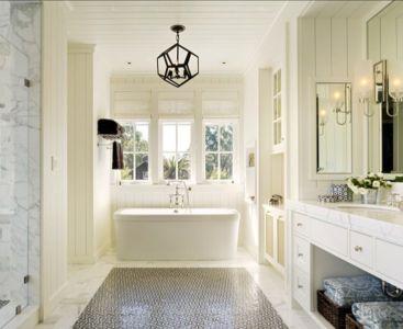 salle de bains et baignoire - Transitional Farmhouse Design par Total Design - Calistoga, Californie, Usa