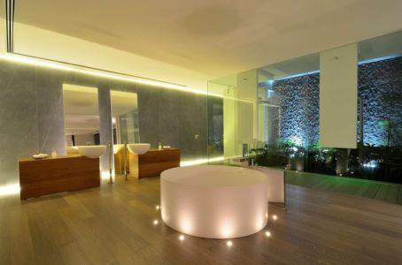 salle de bains et baignoire centrale - JRB House par Reims Arquitectura - Santa Domingo, Mexique