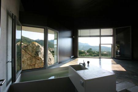 salle de bains et baignoire - maisons contemporaines par Bona-Lemercier - Monticello, France