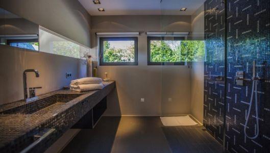 salle de bains et douche à l'italienne - Villa Horizon - Arbonne - France