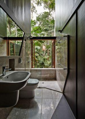 salle de bains - house-tropical par m3architecture - Queensland - Australie