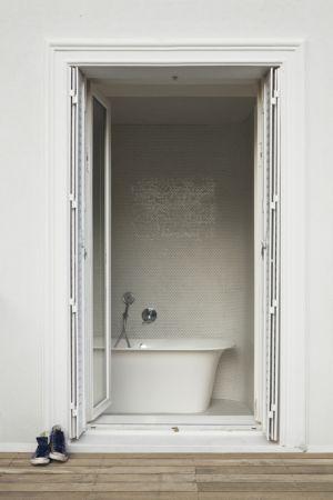 salle de bains - maison - Atelier Zundel Cristea-  Photo Sergio Grazia - France