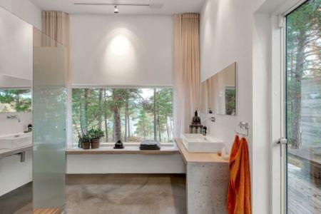 salle de bains - maison bois contemporaine par Gabriel Minguez - Ingarö, Suède