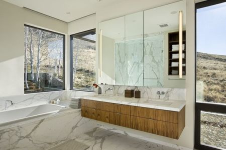 salle de bains - maison bois et pierre contemporaine - Sun Valley, Usa