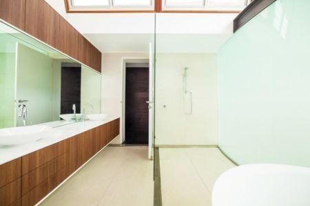 salle de bains - maison exclusive par CplusC - Waverley, Australie