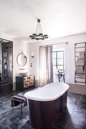 salle de bains - mediterranean-residence par Elodie Sire - Toscane, Italie